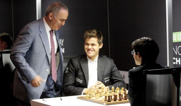 Kasprov having a chat with Magnus Carlsen