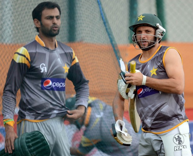 Afridi with Shoaib Malik during Practice Session