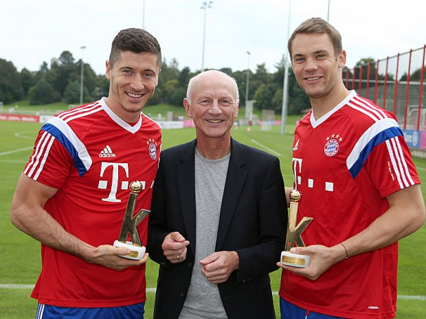 Manuel Neuer with Robert Lewandowski