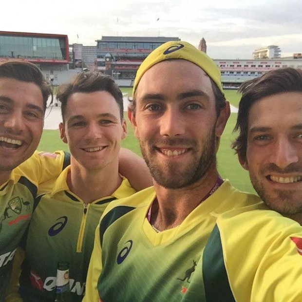 Maxwell with his teammates