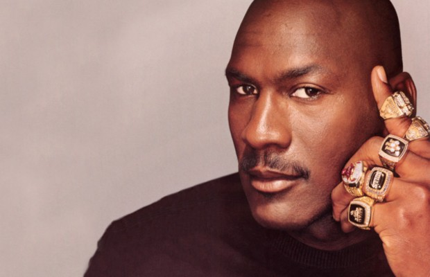 Michael Jordan with his 6 Rings