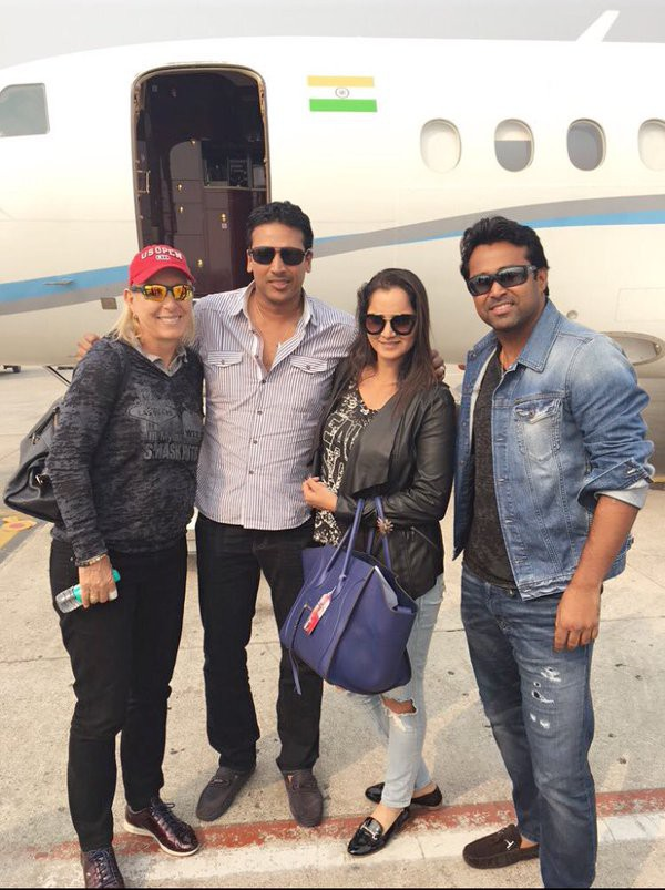 Leander Paes with Sania Mirza, Mahesh Bupathi and Martina Hingis