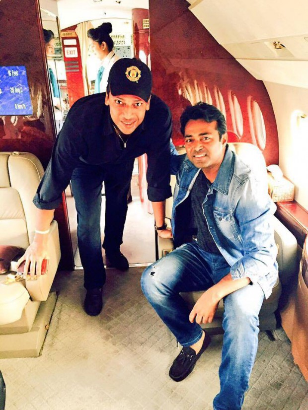 Leander Paes and Mahesh Bhupathi on a plane