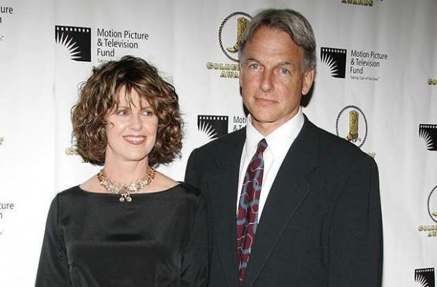 Pam Dawber and Mark Harmon at an award cermony