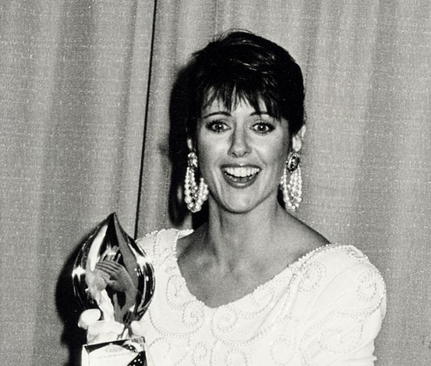 Pam Dawber with his peoples choice award