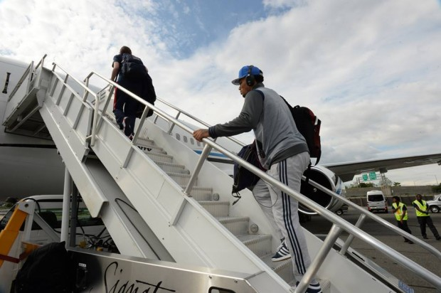 D Rose Boarding into Flight
