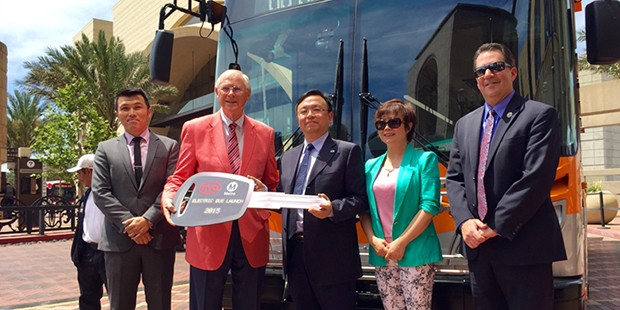 Wang Chuanfu  HAnds Key to First electric Bus