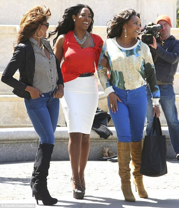 Kenya Moore with Vivica Fox and Claudia Jordan