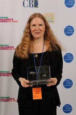 Suzanne Collins with Children's Choice Award