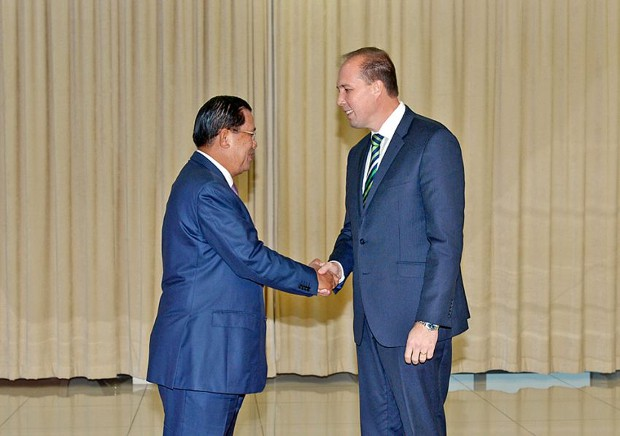 Peter Dutton With Hun Sen Prime Minister of Cambodia