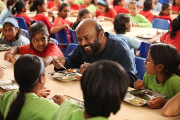 A Beautiful Man with Beautiful Heart, Shiv Nadar Spending Some Time With School Kids