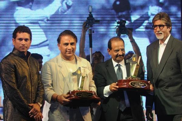 Sachin at Gavaskar's 60th Birthday