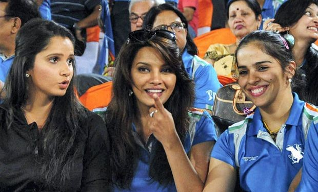 Saina with Sania at a Match in Mumbai