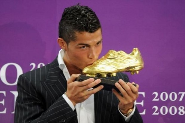 Ronaldo with His Golden Boot Award