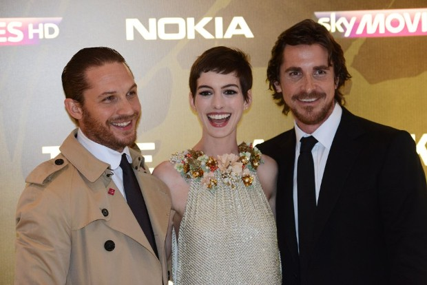 Tom Hardy With Christian Bale and Anne Hathaway at event of The Dark Knight Rises