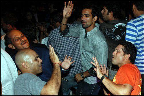 Sachin Enjoying Dance With Sehwag and Zaheer