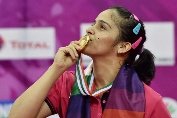 Saina Kissing Her Gold Medal at Yonex Sunrise India Open 2015