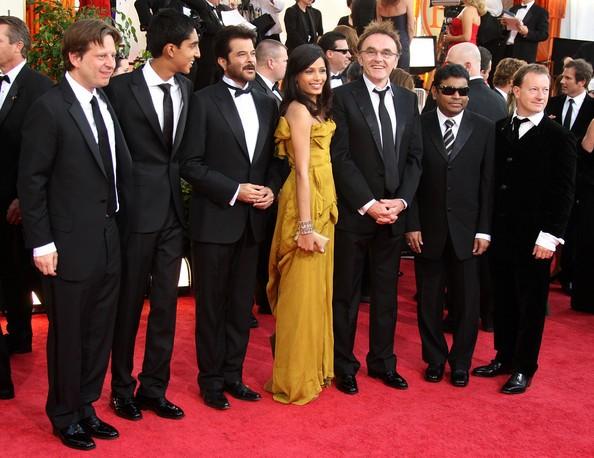 AR Rahman with Slumdog Millionaire Cast