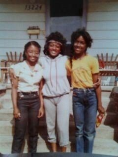 Kenya Moore with her Friends in Childhood