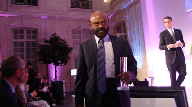 Shiv Nadar Walkin Down With His BNP Award