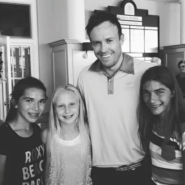 ABD with His Fans