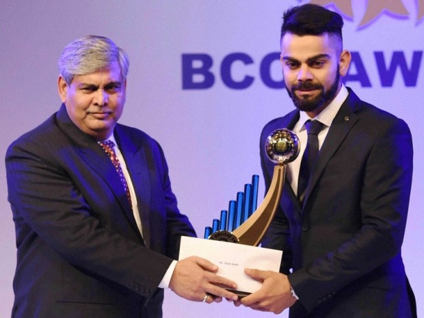 Kohli Awarded as Indian Player of The Year for 2014-15