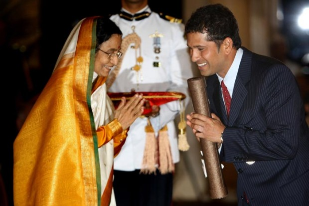 Sachin Tendulkar Accepting His Padma Vibhushan award in 2008