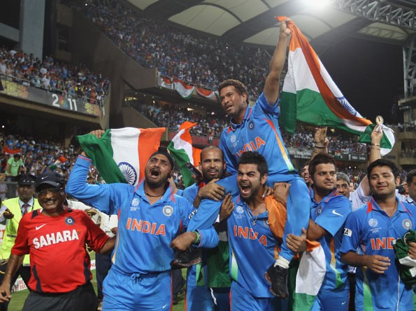 Kohli Carrying Sachin Tendulkar After India Winning 2011 Worldcup