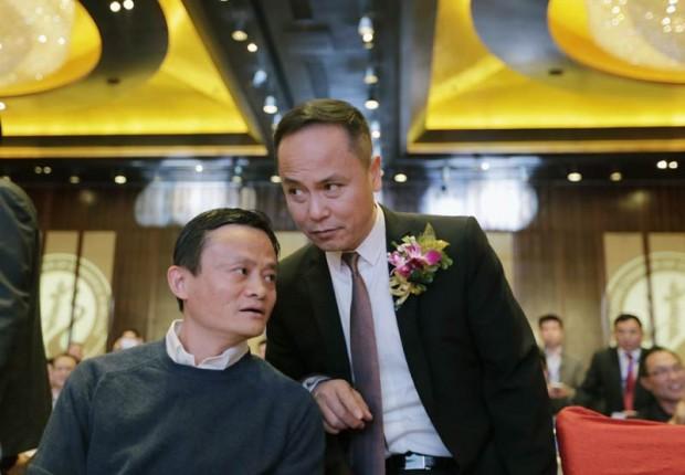 Shen Guojun with Alibaba Group Chairman Jack Ma