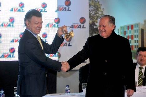 Juan Manuel Santos and Luis Carlos Sarmiento Angulo