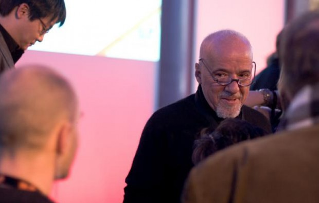 Paulo Coelho Reading To His Fans