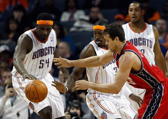 Kwame Brown with Tyson Chandler