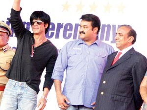 Ravi Pillai with MohanLal and ShahRukh Khan