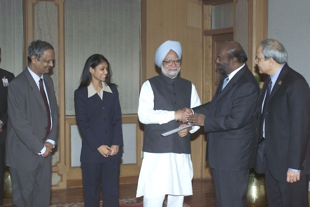 Shiv Nadar with Former India's Prime Minister Manmohan Singh