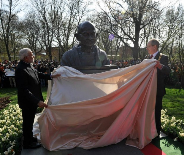 Modi Unveiling the Statue of Mahatma Gandhi in Hannover, Germany