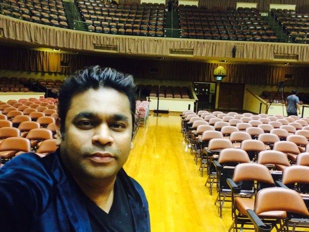 Rahman took a Selfie After Show in Bay Area