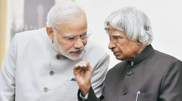 Modi Listening to Dr. APJ Abdul Kalam on India's Republic Day 2015