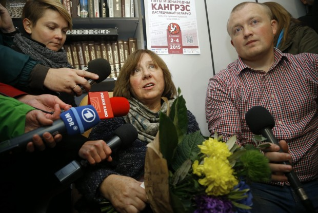 Svetlana Alexievich Speaks At a Media Event