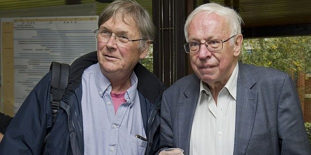 Tomas Lindahl With Tim Hunt  in 2001