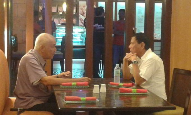 Lito Osmeña meets Davao Mayor Rodrigo Duterte at the Waterfront Hotel