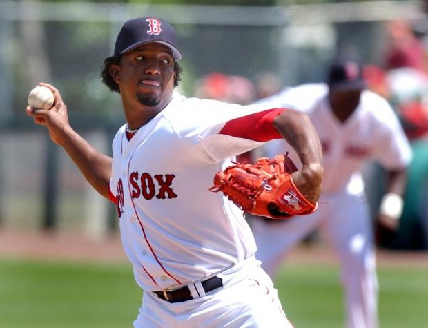 Pedro Martínez pitching for the Red Sox.