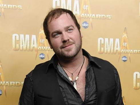 Lee Brice Arrives At The 44th Annual CMA Awards