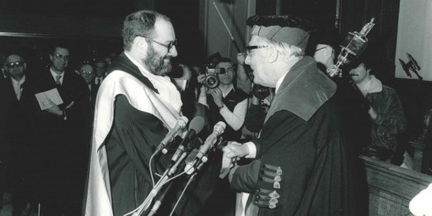 Umberto Eco receives the honorary doctorate from Rector Pieter De Somer