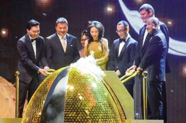 Chung, Henry Sy Jr., Sharen Ho, Lawrence Ho, James Packer, Cristino Naguiat Jr. At opening Of City Of Dreams