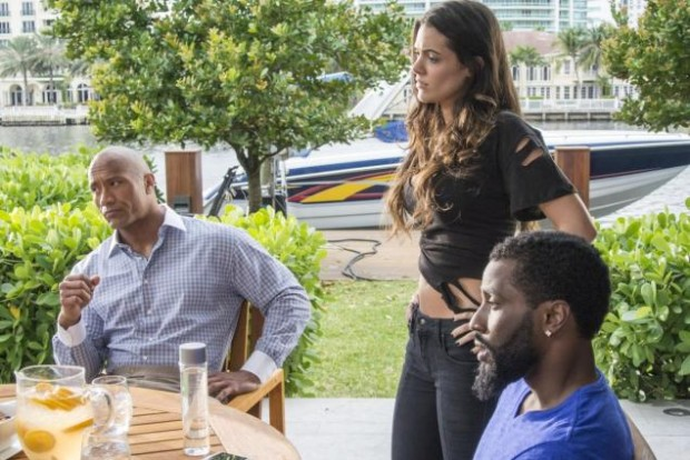Dwayne Johnson, Anabelle Acosta and John David Washington