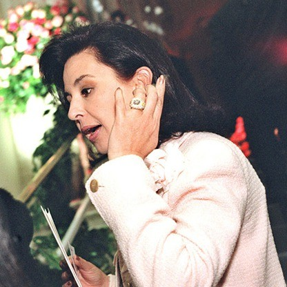 Regina de Camargo Speaking At A Event