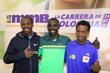 Tadesse Tola, Stanley Biwott and Tsegaye Mekonnen ahead of the Bogota Half Marathon