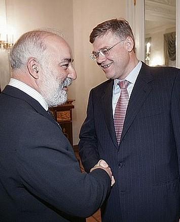 Viktor Vekselberg, left, With Alexander Abramov