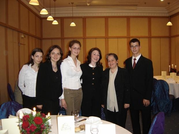 Ema Cerchez, Cleonela Serban, Maria Itu, Andrei Chirila, Monica Bercea With Safra Catz
