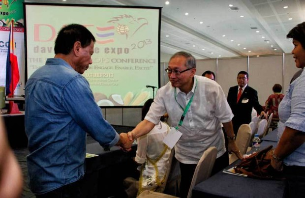 John Gaisano (center) welcomes Davao City Mayor Rodrigo Duterte